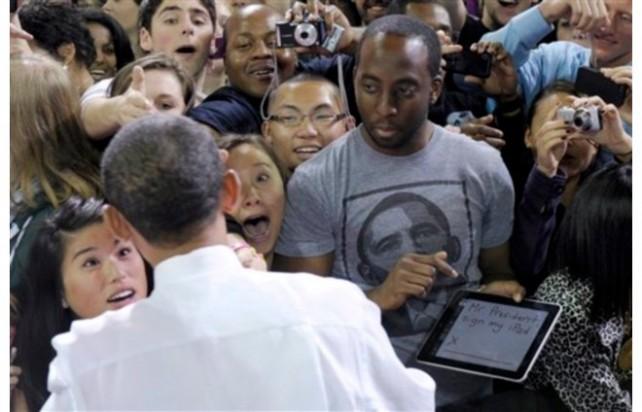 "Guy Asks Obama: ""Mr. President, Sign My iPad"""