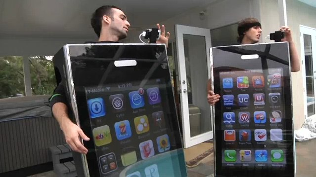 youtube-2009-best-apple-iphone-costume-ever